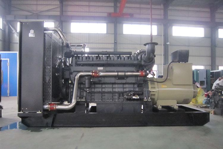700KW东风股份柴油发电机组-SC33W990D2