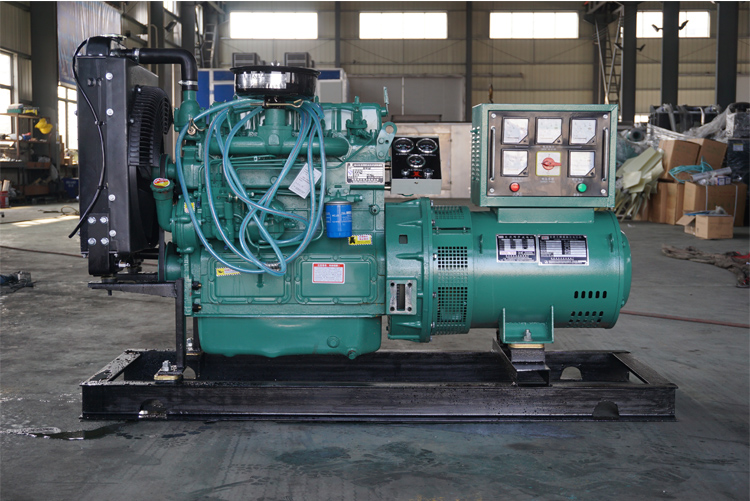 30KW裕兴柴油发电机组-K4100D