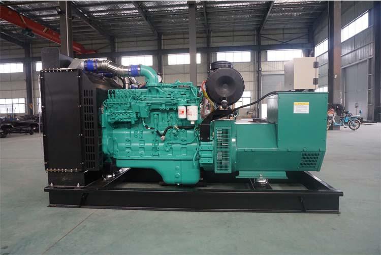 200KW东风康明斯柴油发电机组-6LTAA8.9-G2