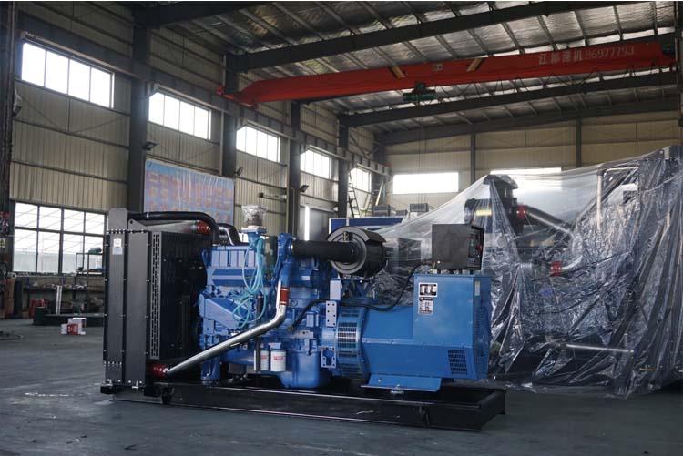 200KW玉柴柴油发电机组-YC6MK350-D30