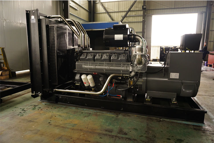 600KW无锡动力柴油发电机组-WD287TAD61L